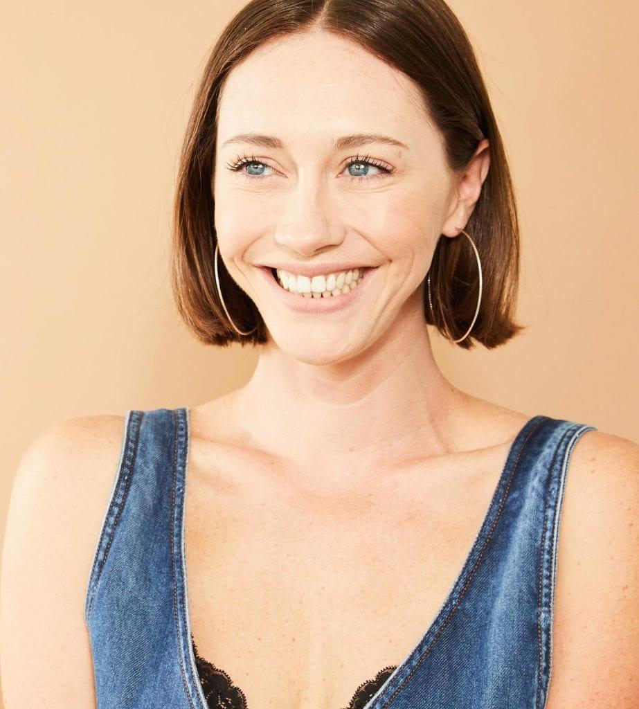 Rebecca Amzallag: Following your Acting Dreams - Sailfin